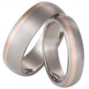 Forlovelsesring/giftering i titan og rødt gull