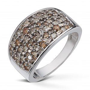 Ring i hvitt gull med 1,50ct diamanter