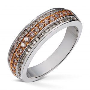 Ring i hvitt gull med totalt 0,50ct diamanter